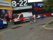 3faa6e3ca7d FOTOD: Lasnamäe Centrumis rööviti täna kullapoodi - DELFI