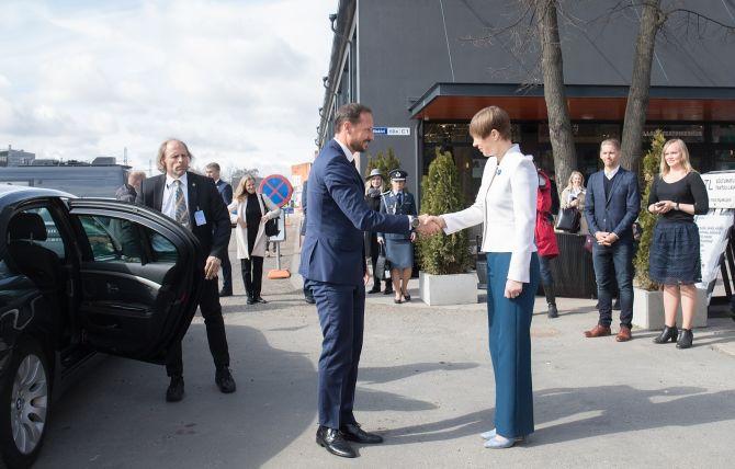 Norra kroonprints Haakon ja kroonprintsess Mette-Marit külastasid Telliskivi loomelinnakut