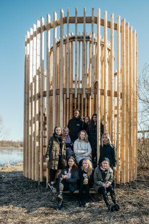 Tudengid ehitasid Tartu lähedale sohu põneva vaatetorni