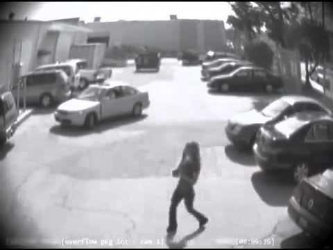 Kättemaks parkimisplatsil: mees karistab eriti karmilt naist, kes napsab ta parkimiskoha