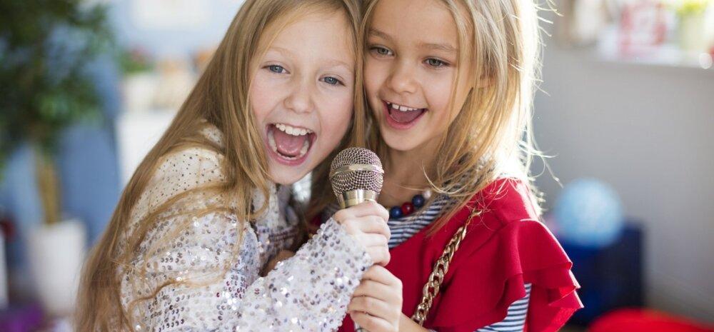 Tüdrukute jaoks on tähtis sõbrannaga lähedane olla.