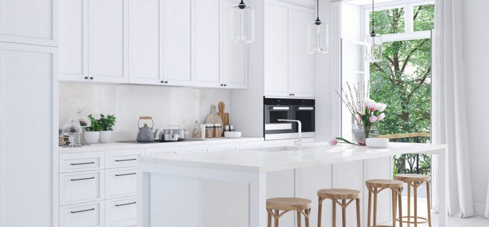Правила ухода: плюсы и минусы белой кухни