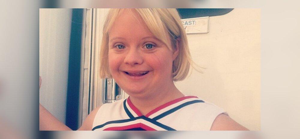 """Rõõmustavad uudised: Downi sündroomiga """"Glee"""" staar kihlus oma kauaaegse poiss-sõbraga"""