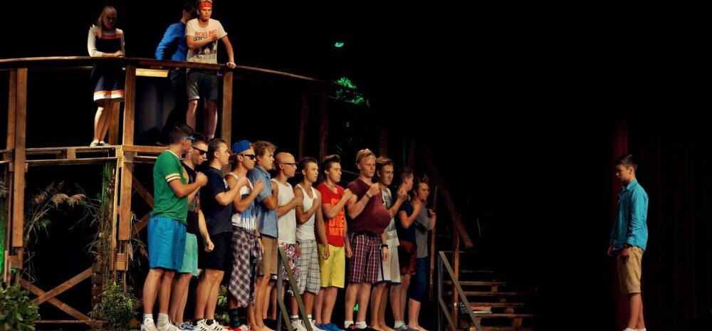 """Noored toovad lavale südamliku suvemuusikali """"Hammasrataste vahel"""""""