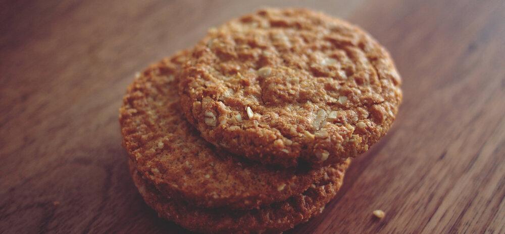 RETSEPT: Hommikust jäi kaerahelbeputru üle? Ära viska ära, vaid valmista sellest küpsiseid!