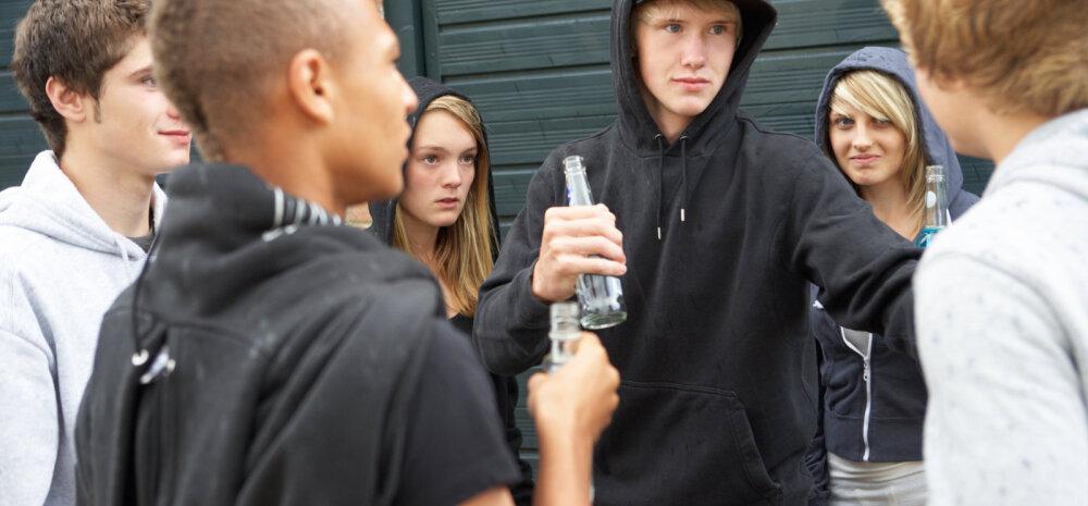 Pettunud noor: miks peaksin suhtlema mingite külakolka ossidega