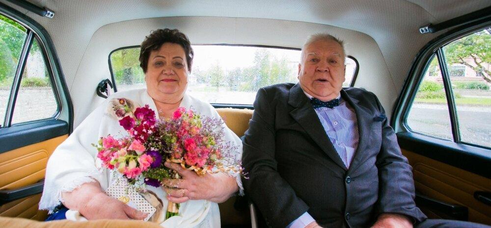 Liina ja Paul Kuusemäe käisid kuldpulmapäeval Rapla kirikus, kust kunagi nende ühine tee algas. Tähtsa päeva autoks sai Volga.