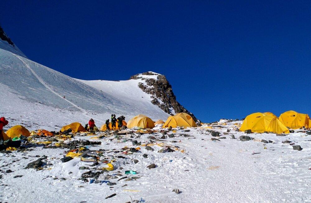 Maailma kõrgeimast mäest on saanud sõna otseses mõttes prügimägi