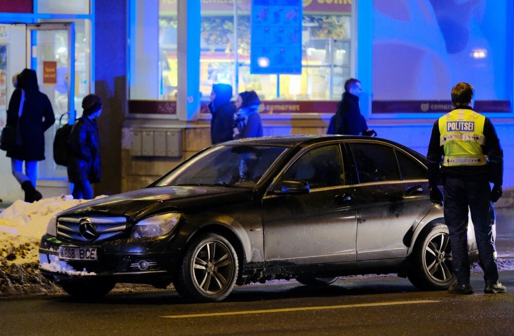 Põgeneva autojuhi kinnipidamine Narva mnt-l