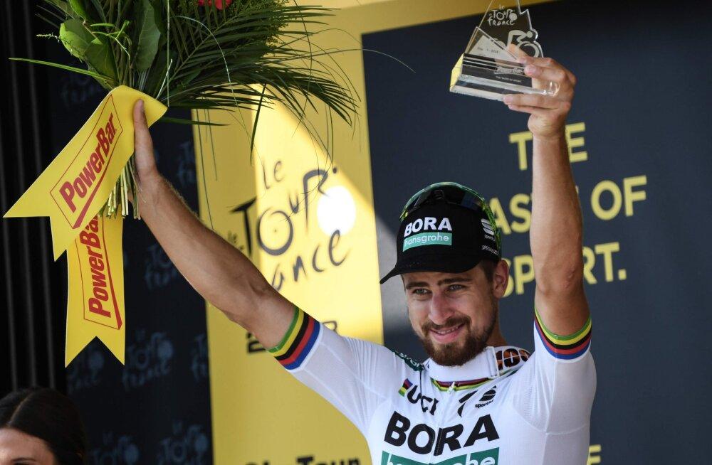 Peter Sagan sai Tour de France'il teise etapivõidu, viimastel kilomeetritel rünnanud Taaramäe püüti kinni