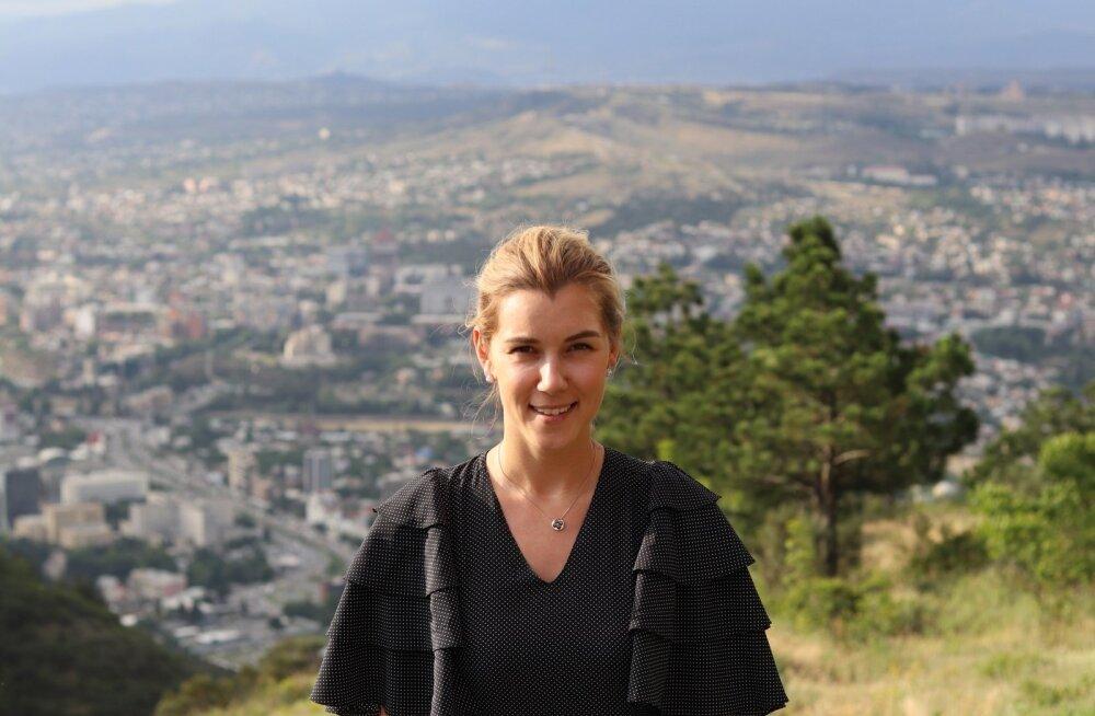 Vaated, vaated... Anastasija Udalova oma juhitava suurarenduse Tbilisi Hills keskel