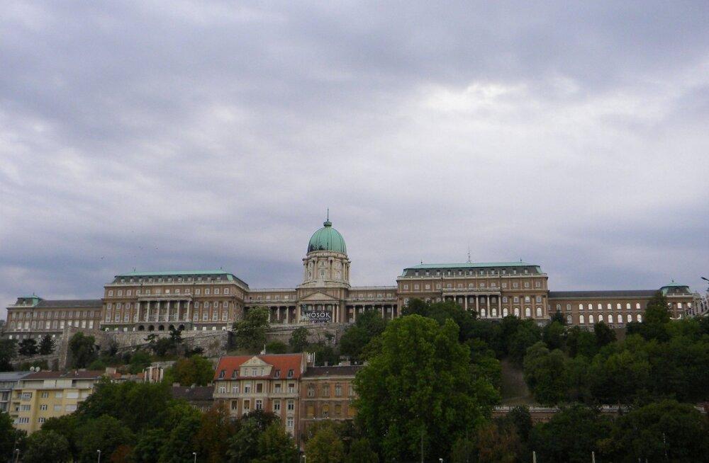 ФОТО читателя Delfi: Непростая судьба резиденции венгерских королей и австрийских императоров