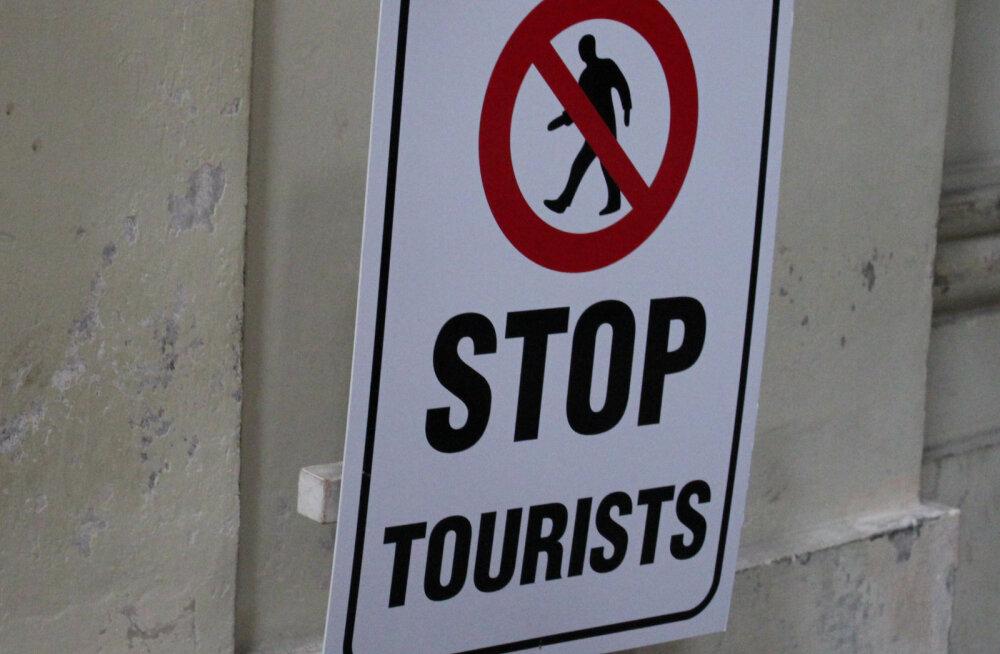 Европа объявила войну туристам, введя ограничения на аренду жилья через Airbnb по всему миру