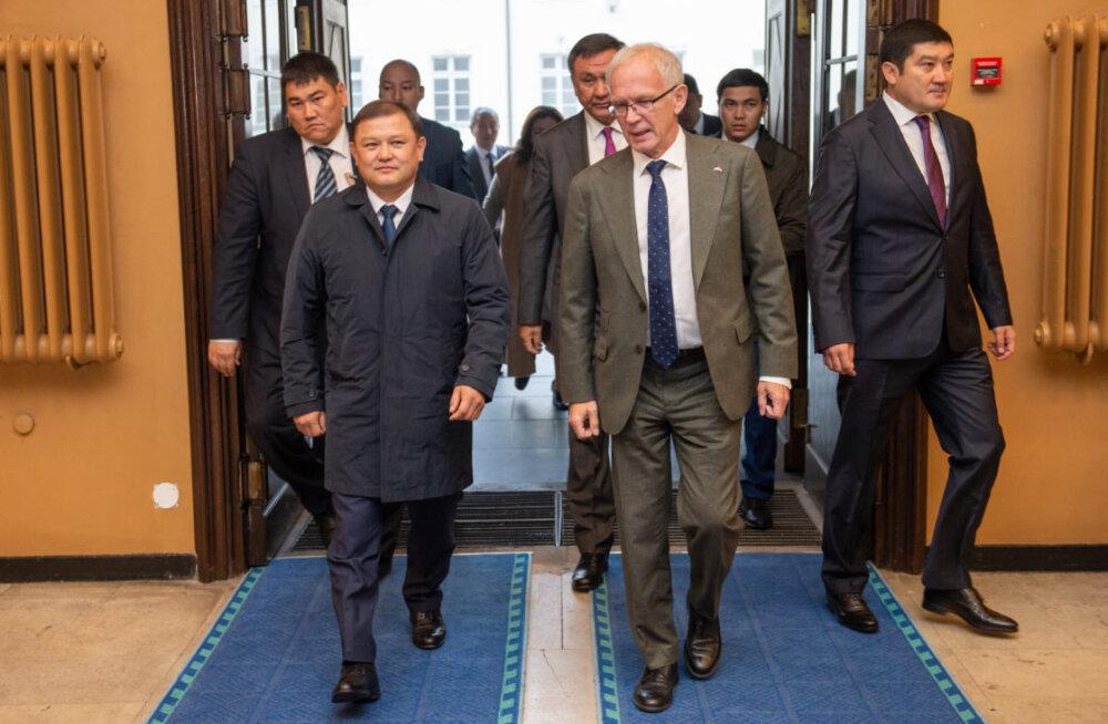 Нестор встретился со спикером парламента Кыргызстана