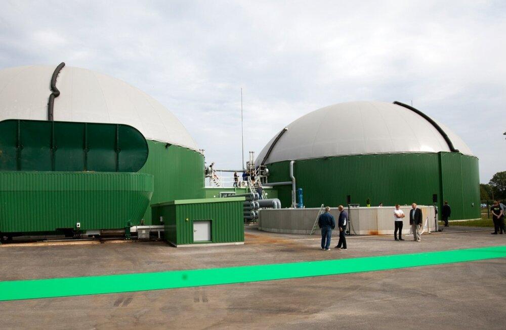Viimasena käivitunud biometaani tootmisüksstest on praegu OÜ Biometaan bio-CNG tehastehas Viljandimaal Koksveres, mille maksumus on 6,3 miljonit eurot, millest 2,6 mln € toetus, 3,7 mln € LHV Pangast võetud laen ja planeeritud tasuvusaeg seitse aastat.