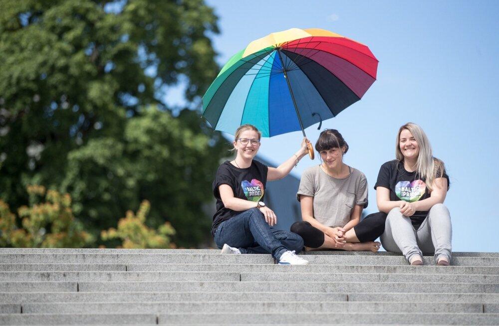 Pride'i korraldajad Maret Ney, Brigitta Davidjants ja Kristel Rannaääre loodavad, et Baltic Pride aitab ka Eesti LGBT ühingul rohkem pildile jõuda.
