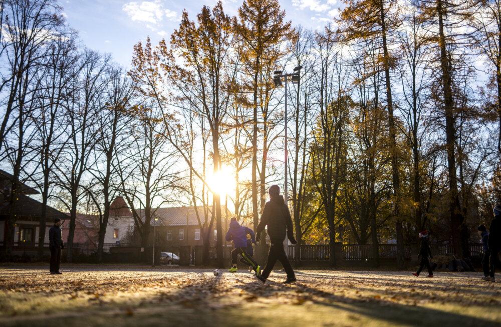 Eesti Päevalehe arhiivist. Eesti laste vööümbermõõt paisub