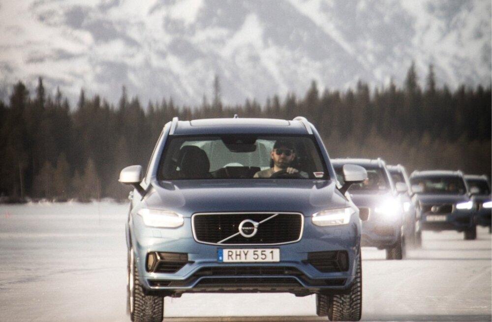 Volvo nelikvedu tähistab tänavu oma 20. sünnipäeva. Need autod on loodud jääl ja lumel sõitma, moodsadjuhiabisüsteemid teevad talvesõidu nauditavaks.