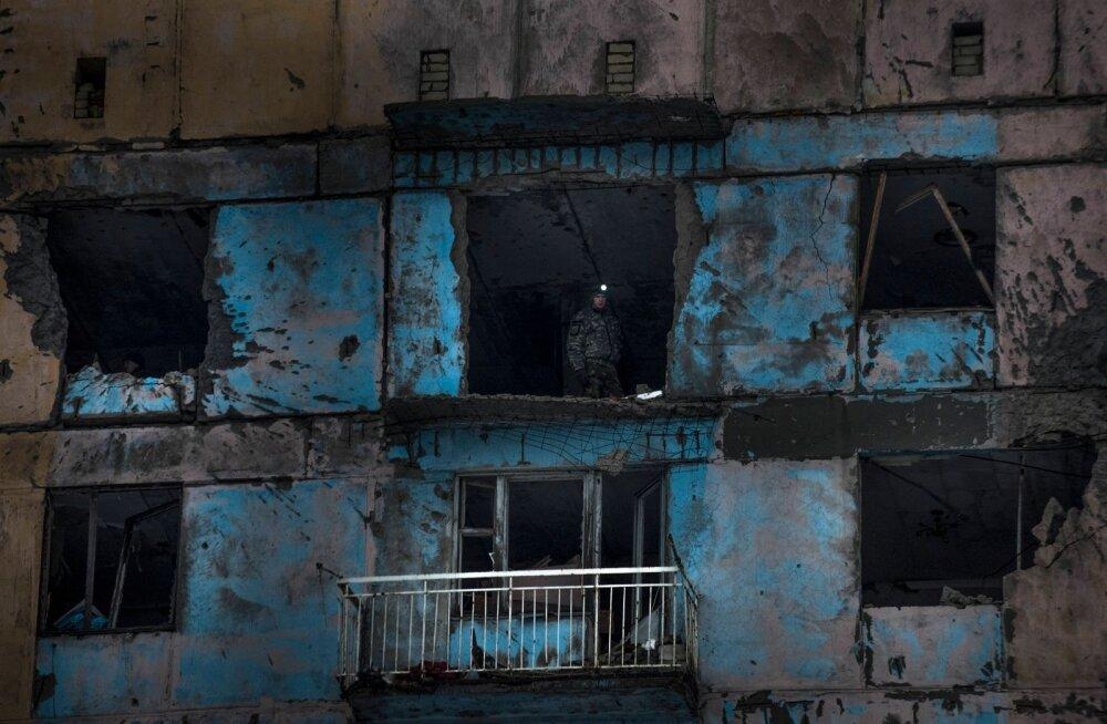 Ukraina vägede võitleja mullu veebruaris Donetski oblastis lahingutes viga saanud hoones