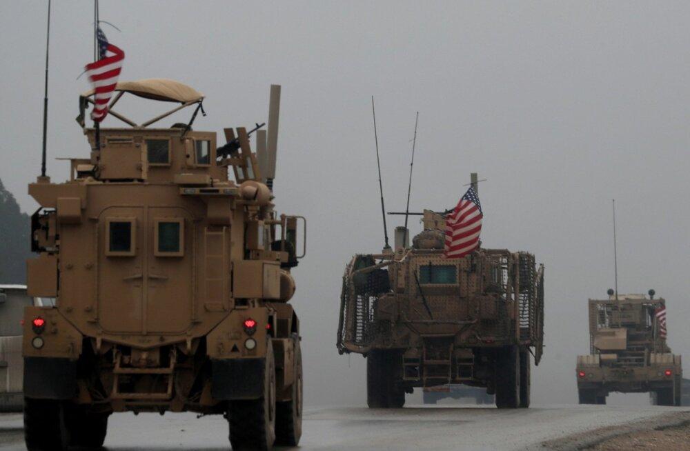 Türklaste sihtmärgiks plaanitud Manbiji linnas liiguvad endiselt USA sõjaväemasinad.