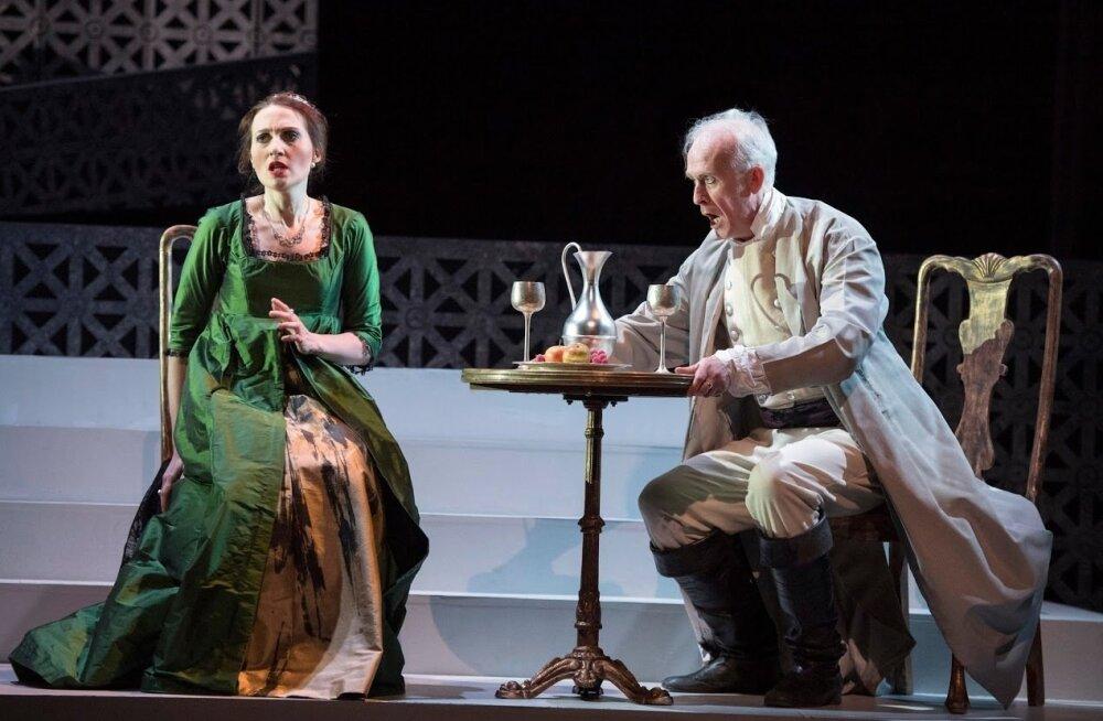 Tosca (Paula Sides) ja Scarpia (Craig Smith) psühholoogilised duellid on kogu ooperi tipuks.