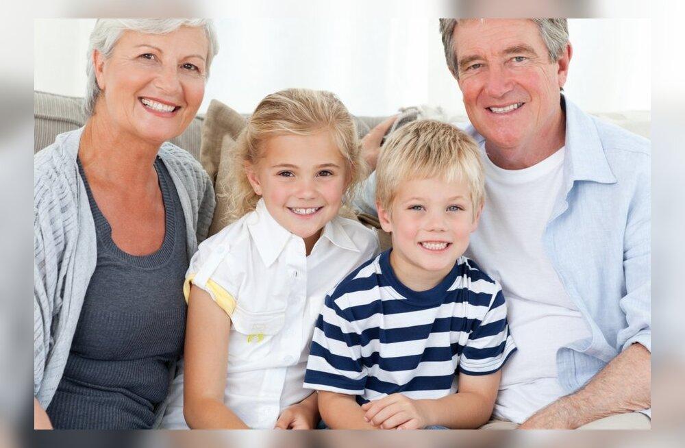 25 põhjust, miks lapsed vajavad ja armastavad oma vanavanemaid