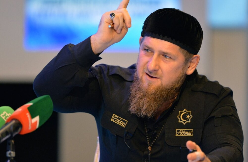 Ramzan Kadõrovi režiim on loonud mitu salajast kinnipidamisasutust, kus hoitakse mehi, keda kahtlustatakse homoseksuaalsuses.