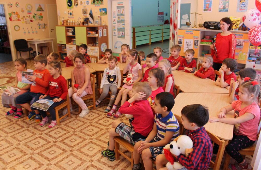 ВИДЕО: В День друзей нарвские детсадовцы пообщались с таллиннскими в режиме телемоста, вспомнив о юбилее Эстонии