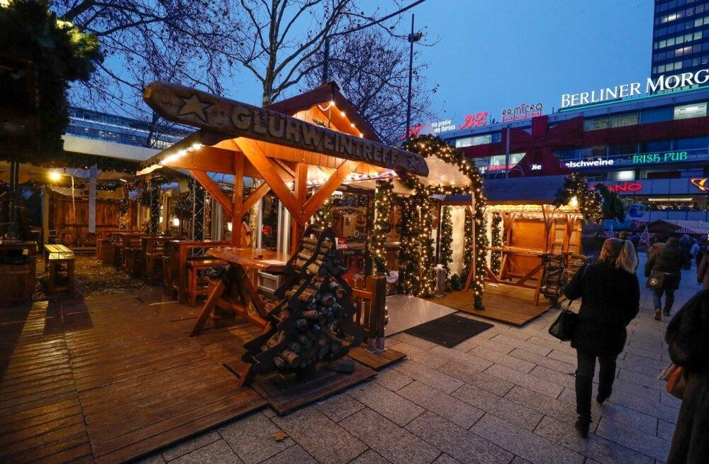 Õhkkond Berliini jõuluturu ümber pole ilmselt eales olnud nii vaikne kui eile.