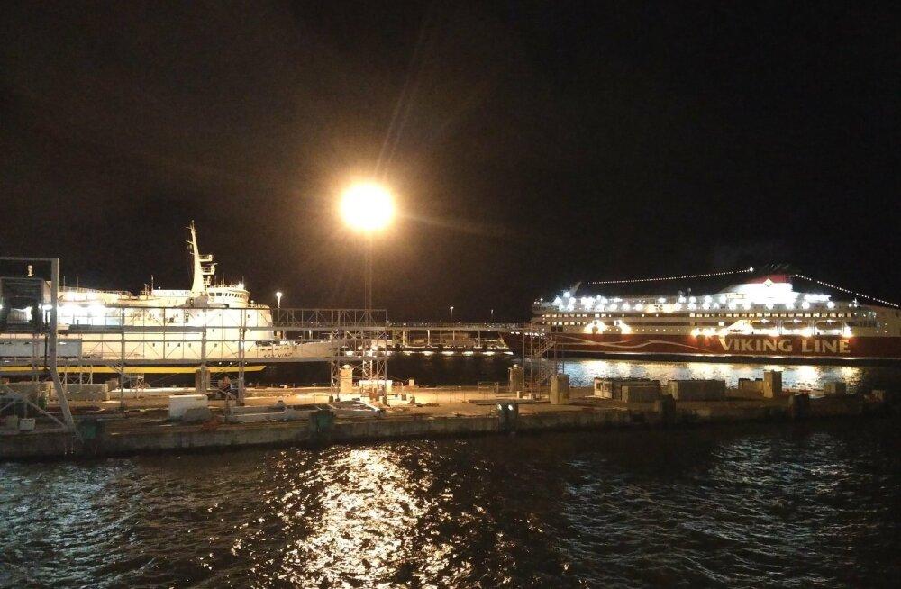 Tallinki kaubalaev Sea Wind sõidab iga päev Helsingi idaosas asuvasse Vuosaari sadamasse. Sea Windi kodu- sadam on Tallinna reisisadam, kuigi võiks olla Muuga.