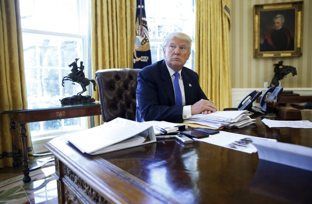 Ajaleht: nõuniketa Trump on oma otsustes üha iseseisvam
