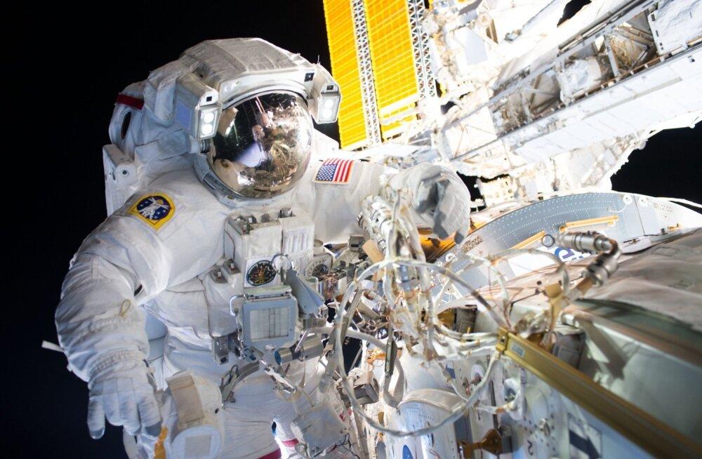 Võib arvata, et lähiajal NASA astronaudid küll kosmoses relvi kandma ei hakka.