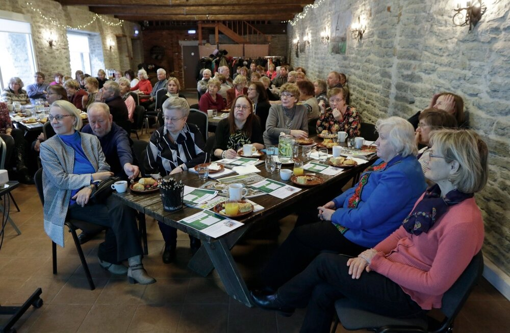 Maalehe reisi-klubi tõi kokku enneolematult suure hulga rahvast. Kõiki pilte kohtumisest saab vaadata Maalehe kodulehelt.
