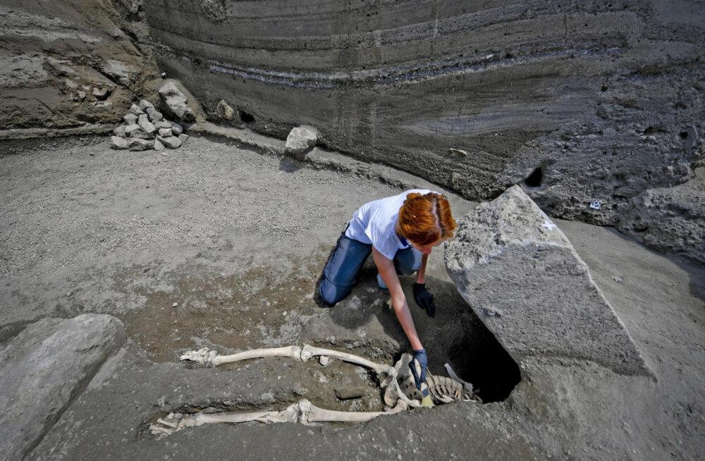 Vulkaanipurske eest pageja õnnetu surm: Pompeis leiti väljakaevamistel lombaka noormehe peata skelett