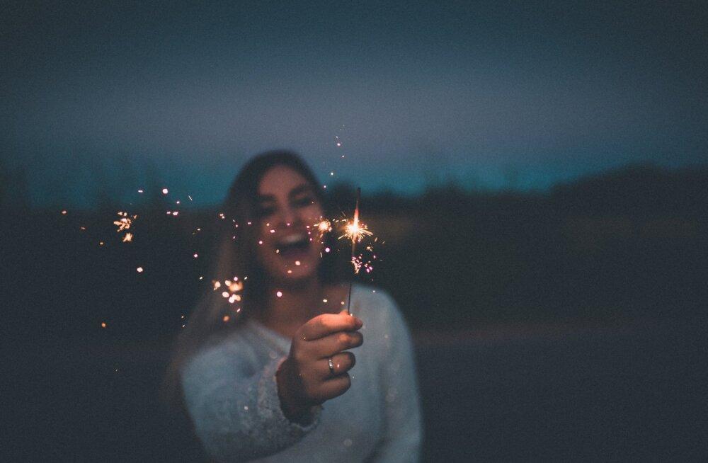 Как отметить Новый год в одиночестве и без драмы