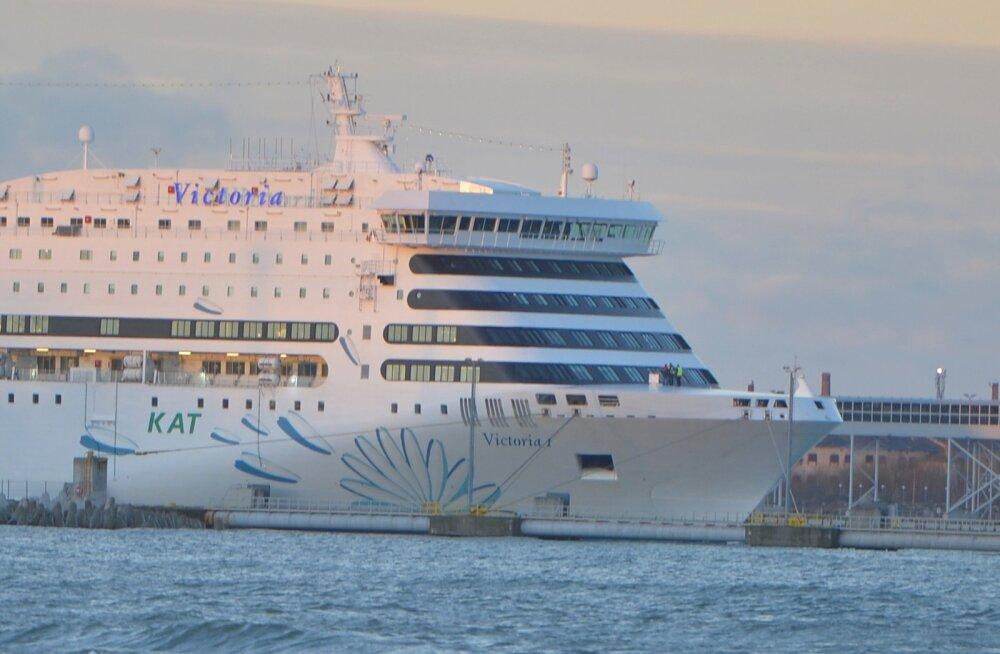 Tallinna-Stockholmi laevalt kukkus inimene merre, Ahvenamaa lähistel toimunud otsingud tulemusi ei andnud