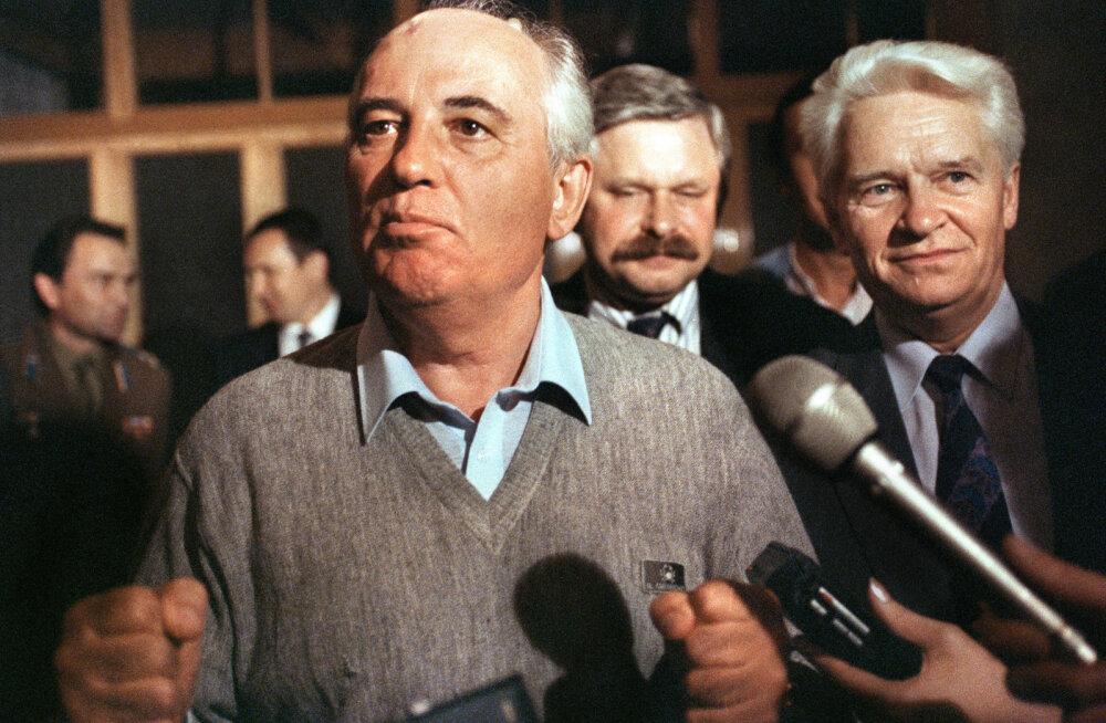 21. august 1991: Putin läheb erru, Gorbatšovi juurde Krimmi lendavad nii putšistide kui Jeltsini esindajad