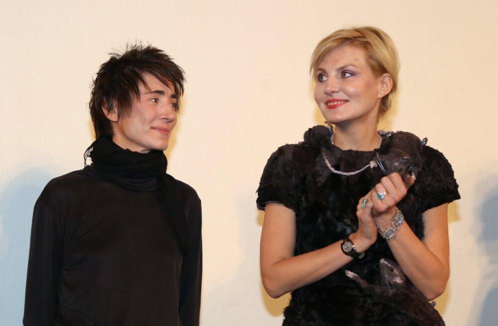 СМИ: Земфира и Литвинова поженились в Швеции, отправились в путешествие в Таллинн