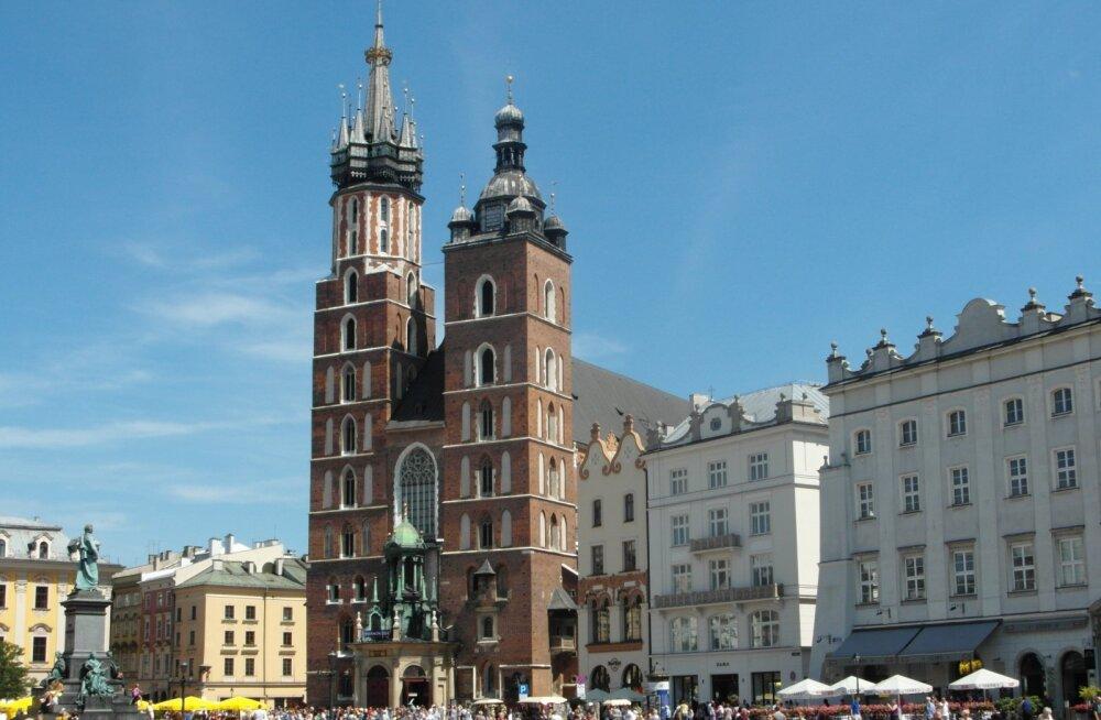 ФОТО читателя Delfi: Посмотрите, как эффектна главная святыня Кракова!
