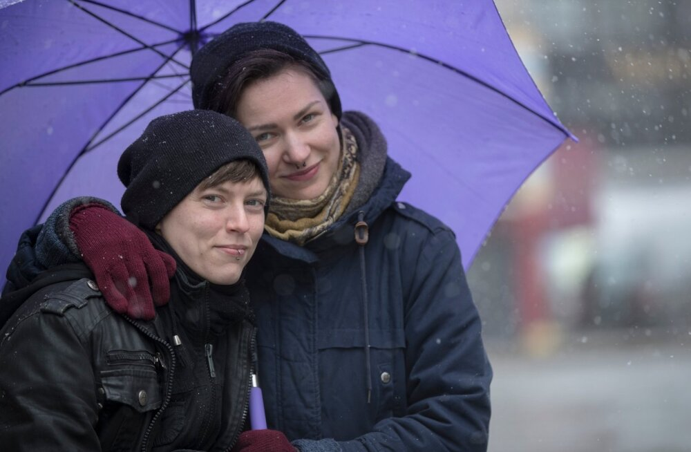 USA-s abiellunud Sarah ja Kristiina Raud proovivad nüüd Sarah'le Eesti elamisloa saada kooselulepingu alusel.