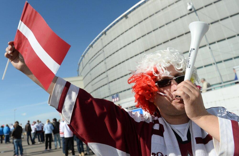 Läti hokifänn