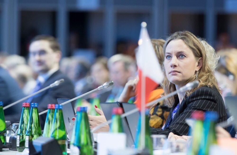 Riigikogus Euroopa Liidu asjade komisjoni ja väliskomisjoni kuuluval Oudekki Loonel tekkis ühtäkki huvi PERH-i juhtimise vastu.