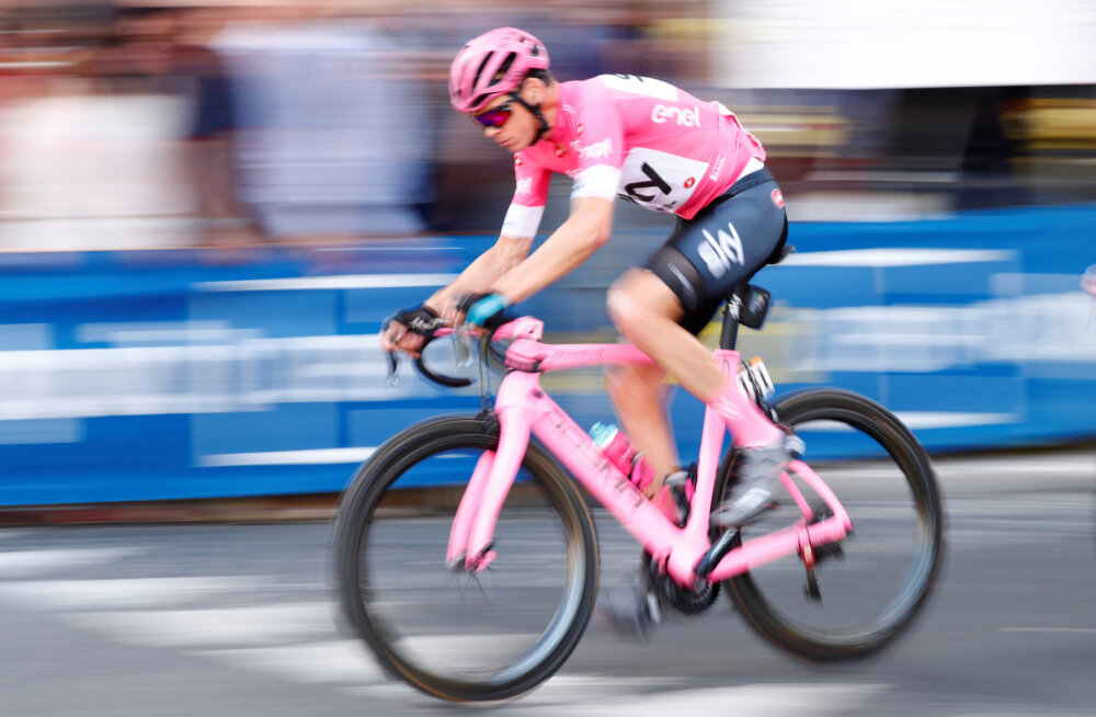 Froome tuli Girol võitjana finišisse ning liitus ekslusiivse klubiga
