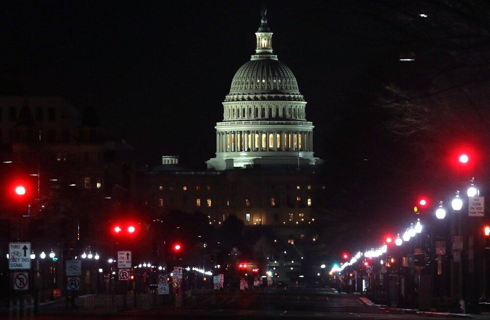 USA kongress kiitis varahommikul valitsuse tööseisaku lõpetava kokkuleppe siiski heaks