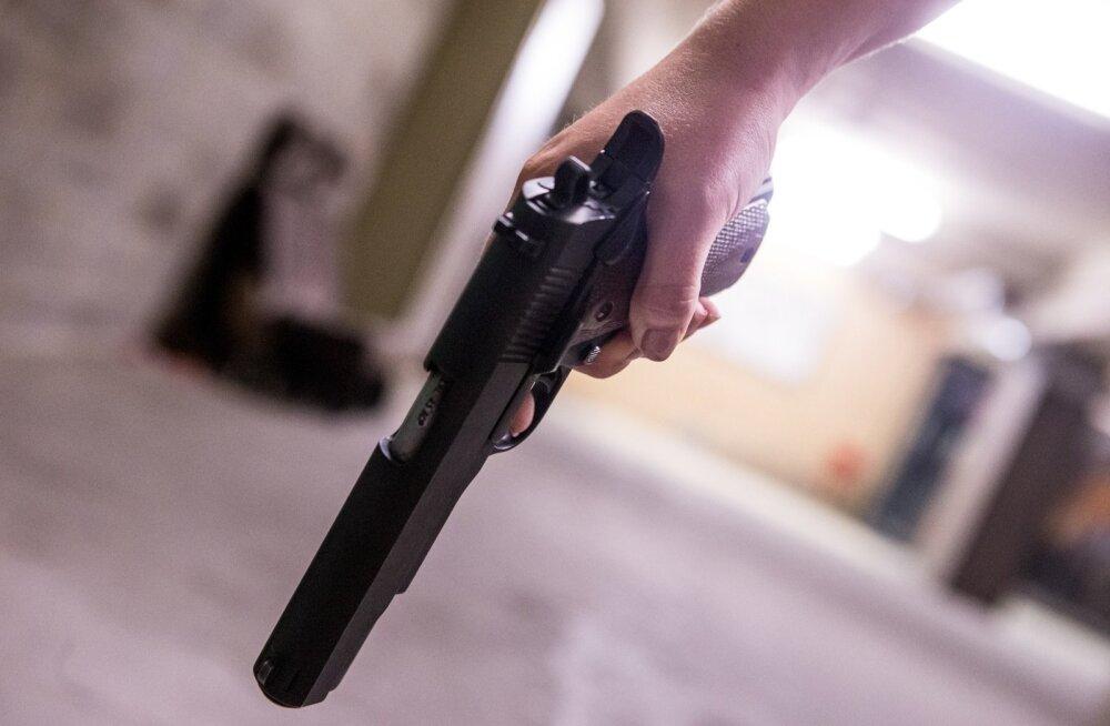 Julm veretöö jõulude ajal: mees tulistas surnuks naise ja kaks alaealist last