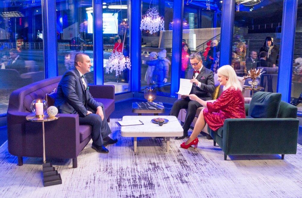 ETV aastavahetusprogrammi otse-eetri saatejuhid Nikolai Bentsler, Margus Saar ja Karmel Killandi
