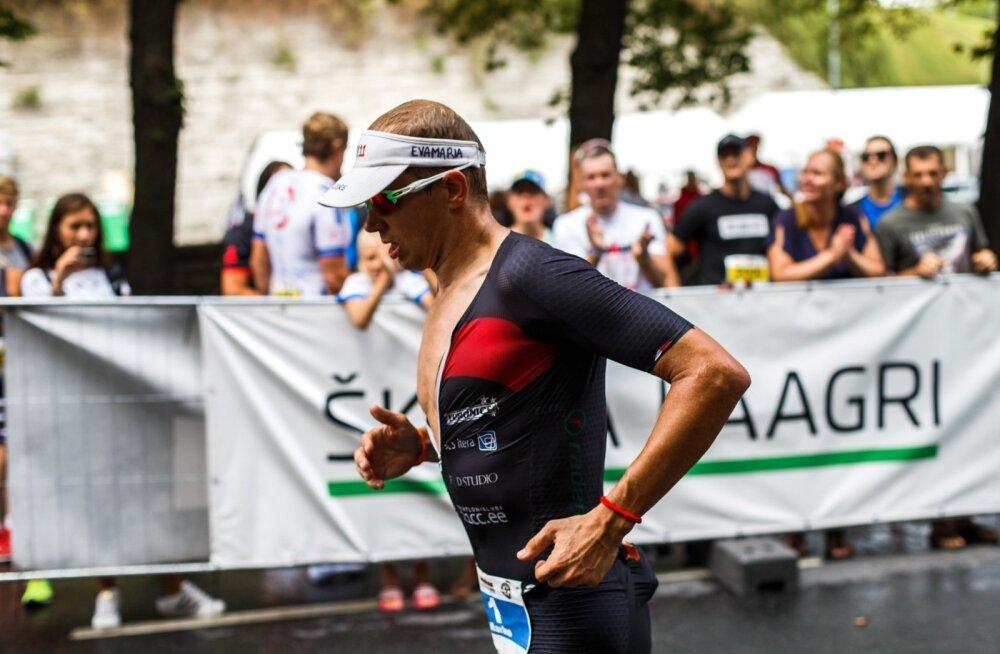 Marko Albert rühkis Tallinna Ironmani võistlusel finišisse kolmandana.