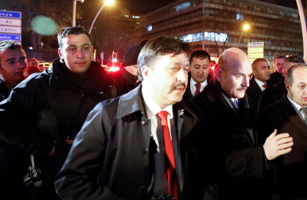 Türgi siseminister ähvardas Euroopat 15 000 põgenikuga kuus