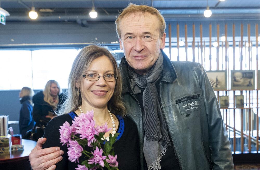 """GALERII: kirjanduskonkursi """"BestSeller 2017"""" võitja Kärt Kase esitles oma raamatut """"Kuidas hoida armastust?"""""""