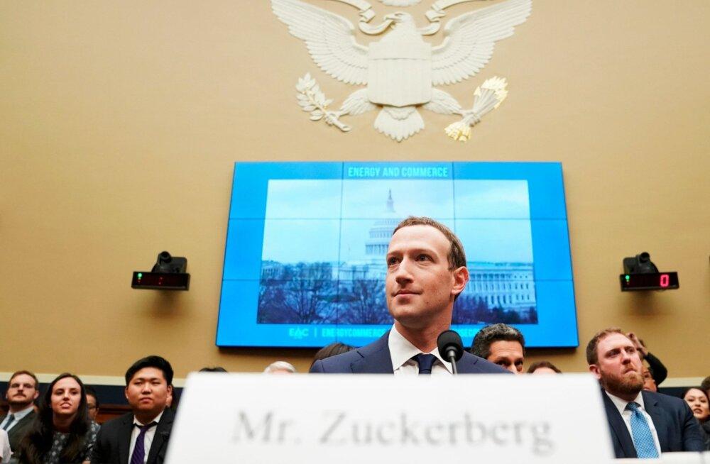 Facebooki juht Mark Zuckerberg eilsel istungil